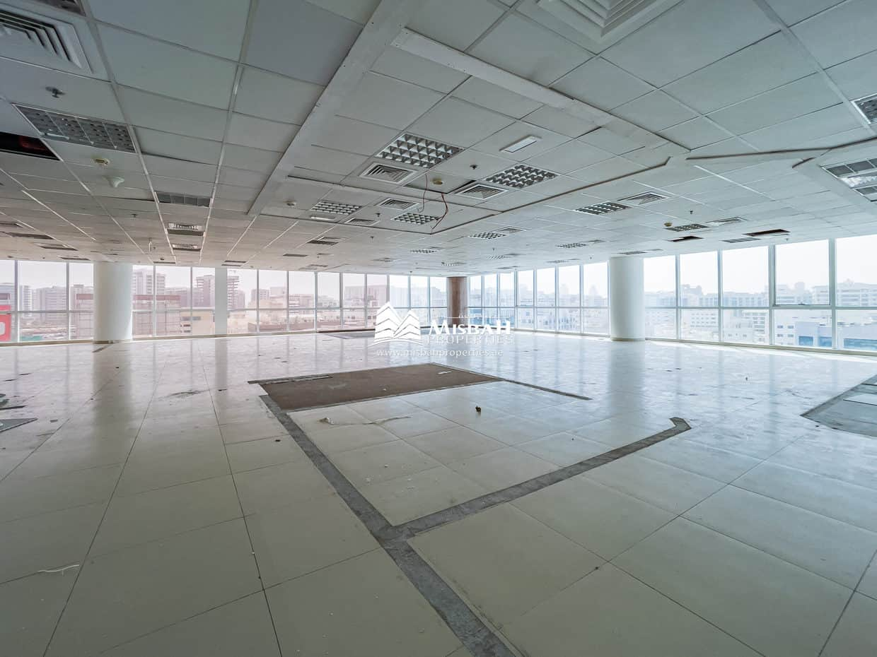 3,432 sq.ft. Fitted Open Office @ AED 60/sq.ft. with Free Chiller, Parking near Dnata, Deira City Center