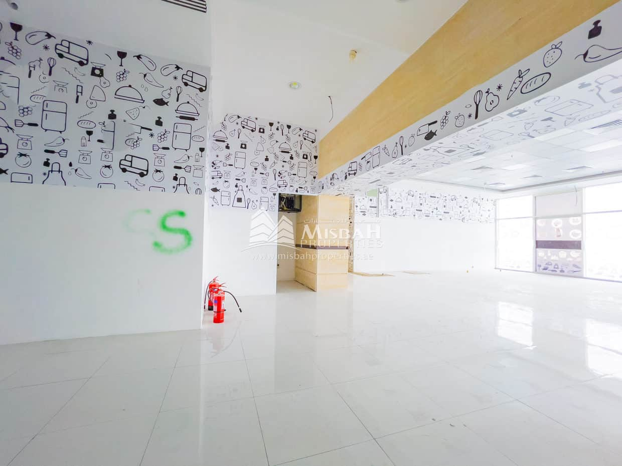 2,450 sq.ft. Shop with Free Chiller, 2 months Free, Facing main road, Oud Metha